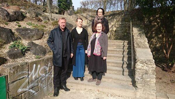 © Theater Regensburg v.l.n.r.: Jens Neundorff von Enzberg, Maria-Elena Hackbarth, Stephanie Junge, Yuki Mori