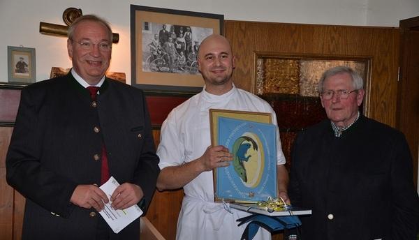 © Bezirkstagspräsident Franz Löffler, Bauereigasthofinhaber Christoph Jakob und  Luitpold Edenhart, Vorsitzender des Fischereiverbands Oberpfalz,