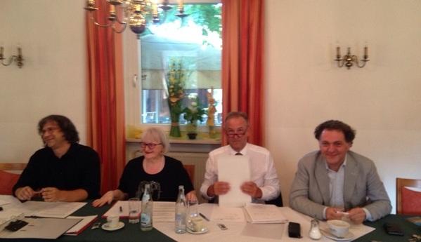 © Charivari, v.l. die Fraktionsvorsitzenden Rappert, Kunc, Artinger und Meierhofer