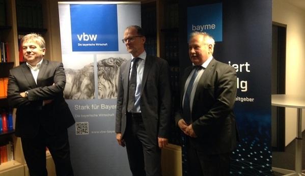 © Charivari, von links: Thomas Ebenhöch, Stefan Klumpp und Herrmann Brandl von vbw