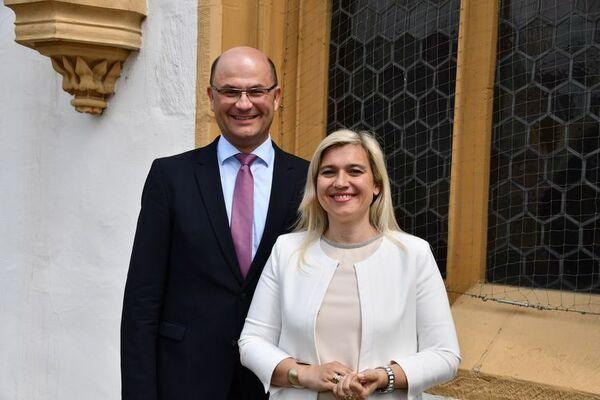 © Finanzministerium/Finanzminister Albert Füracker und Gesundheitsministerin Melanie Huml in Amberg