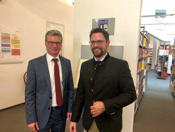 © Stabsübergabe: MdL Dr. Gerhard Hopp folgt Kultusminister Bernd Sibler als Vorsitzender des Bayerischen Bibliotheksverbandes nach.