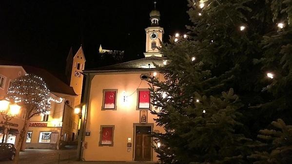 © Stadt Riedenburg - Adventskalender-Aktion am Marktplatz