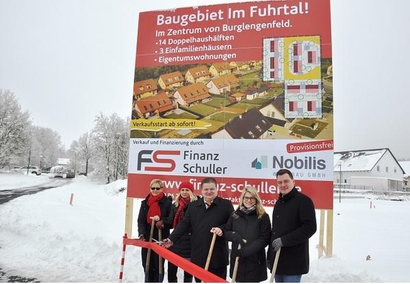 © MIchael Hitzek, v.li. Christine Schuller, Anastasia Tempel, Bürgermeister Gesche, Maria Zisler, Matthias Spieß