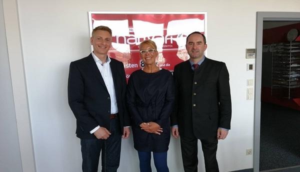 © Funkhaus Geschäftsführer Martin Schelauske, charivari Redaktionsleiterin Anja Stubba, Freie Wähler Chef Hubert Aiwanger