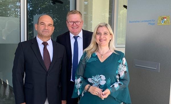 © STMGP / Dr. Dr. Markus Schick, Präsident Landesamts für Pflege, Oberbürgermeister Michael Cerny, Gesundheitsministerin Melanie Huml