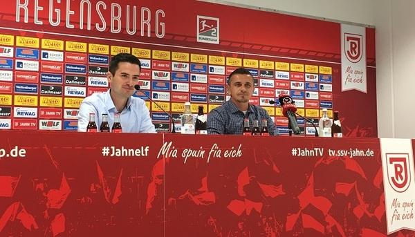 © charivari, v.l. Pressesprecher Martin Koch, Trainer Mersad Selimbegovic