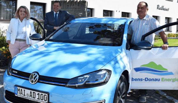 © Abens-Donau-Energie; Das E-Auto bei seiner Ankuft in Ihrlerstein